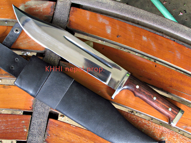 khukuri house invader bowie knife