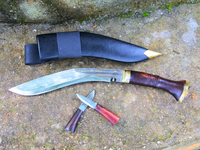 Lightweight & Slim Sirupate Kukri knife