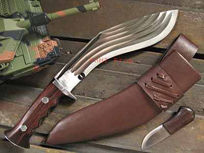 "9"" bladed 5 chirre Khukuri (all in one)"